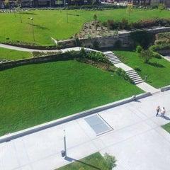 Photo taken at Zona Pedonal Gaia by Alan R. on 8/20/2012