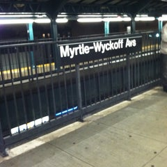 Photo taken at MTA Subway - Myrtle/Wyckoff Ave (L/M) by Kristen K. on 11/29/2011