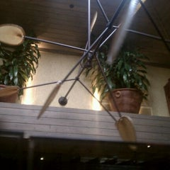 Photo taken at Cheddar's Casual Cafe by Tony C. on 12/29/2011