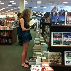 Photo taken at Barnes & Noble by Taylor M. on 4/28/2012