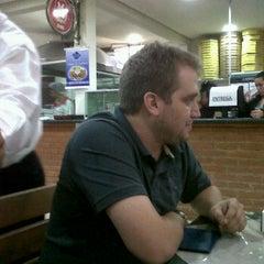Photo taken at Pizzaria Caramboleta by Isaque Mariano C. on 10/3/2011