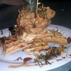 Photo taken at Hash House A Go Go by Freddy O. on 3/30/2012