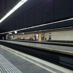 Photo taken at FGC Muntaner by Solstici V. on 10/21/2011
