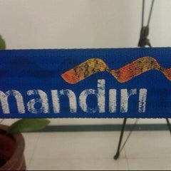 Photo taken at Mandiri Cabang Pujasera Veteran by Muhammad K. on 10/28/2011