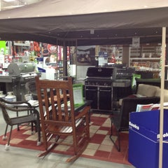 Photo taken at Lowe's Home Improvement by Eric A. on 6/1/2012