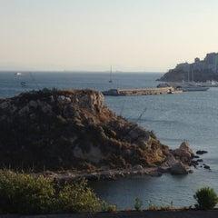 Photo taken at Ναυτικός Όμιλος Ελλάδος (Yacht Club of Greece) by Laura Y. on 7/23/2012