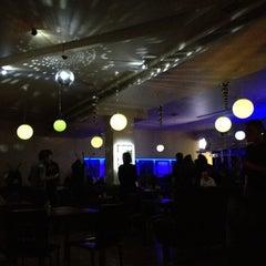 Photo taken at Pizzakit by Tem_Po on 4/8/2012