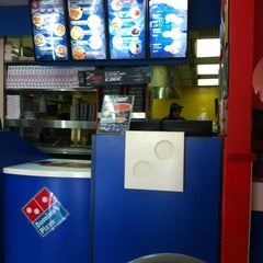 Photo taken at Domino's Pizza by Mohd Farhan M. on 7/7/2012