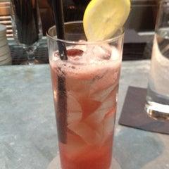 Photo taken at Isola Trattoria & Crudo Bar by Denise Q. on 9/5/2012