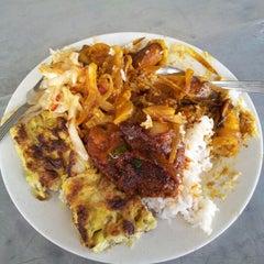 Photo taken at Sri Nibong Kopitiam by Justin N. on 6/9/2012