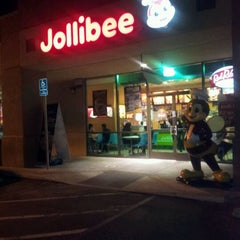 Photo taken at Jollibee by Marie J. on 4/20/2012