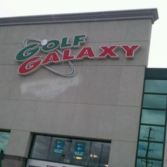 Photo taken at Golf Galaxy by SNOWIE on 9/22/2011