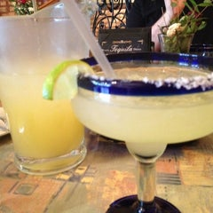 Photo taken at El Mariachi Tequila Bar & Grill by Karina D. on 4/1/2012
