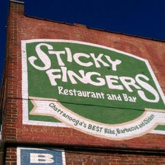 Photo taken at Sticky Fingers Smokehouse - Get Sticky. Have Fun! by Danyell N. on 1/2/2012