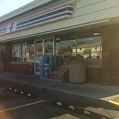 Photo taken at 7-Eleven by Adam Robert B. on 8/23/2012