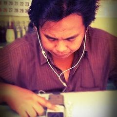 Photo taken at Nasi goreng babat Pak Taman by Priska W. on 12/10/2011