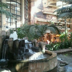 Photo taken at Embassy Suites by Hilton Phoenix Biltmore by Jen P. on 10/28/2011