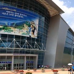 Photo taken at 국립과천과학관 (Gwacheon National Science Museum) by Jae Jin H. on 7/28/2012