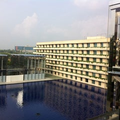 Photo taken at The Oberoi by K B. on 8/17/2011