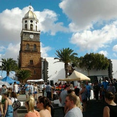 Photo taken at Mercadilllo De Teguise by Nor H. on 11/6/2011