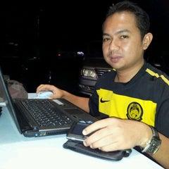Photo taken at Murtabak Singapura by Jimon R. on 9/10/2011