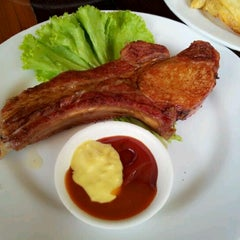 Photo taken at ครัวเขาใหญ่ (Khaoyai Kitchen) by Kezz K. on 5/7/2012