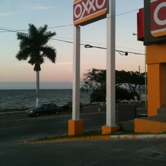 Photo taken at OXXO by Rygel M. on 1/19/2012