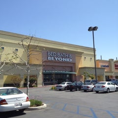 Photo taken at Bed Bath & Beyond by LoveLilyStarGazers on 4/7/2012