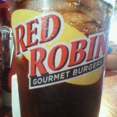 Photo taken at Red Robin Gourmet Burgers by Garrett M. on 8/30/2011