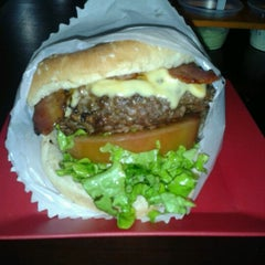 Photo taken at Willy's Authentic Burger by André F. on 7/13/2012