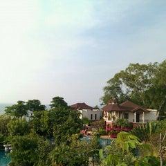 Photo taken at Sheraton Pattaya Resort by Pete on 1/22/2011