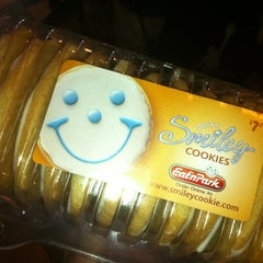Photo taken at Eat'n Park by Jason on 6/18/2012
