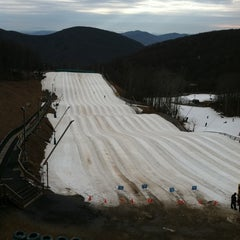 Photo taken at Wintergreen Resort by Busy Bryants on 2/4/2012