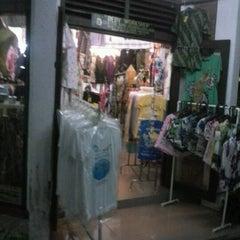 Photo taken at Pasar Seni Ancol by cathy L. on 6/22/2012