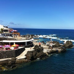 Photo taken at Piscinas Naturais do Porto Moniz by Alexandr R. on 9/13/2012