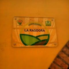 Photo taken at Agriturismo La Rasdora by Simon L. on 5/27/2012