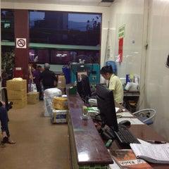 Photo taken at Thành Bưởi (đi Cần Thơ) by Thuy on 5/18/2012