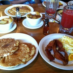 Photo taken at Cracker Barrel Old Country Store by Tru Power on 6/24/2012