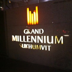 Photo taken at Grand Millennium Sukhumvit Bangkok by Onizugolf on 3/8/2012