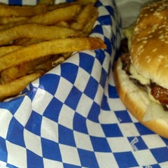 Photo taken at Lenny's Burger Shop by Joy on 5/6/2012