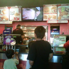 Photo taken at KFC by Dina Nur A. on 8/26/2012