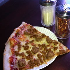 Photo taken at Spinelli's Pizzeria by Renee V. on 2/3/2011