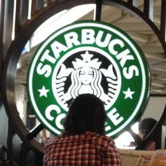 Photo taken at Starbucks by Kirill B. on 5/31/2012