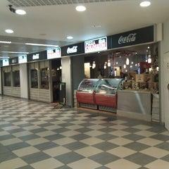 Das Foto wurde bei Pizza Coloseum Budějovická von Stepan R. am 7/7/2012 aufgenommen