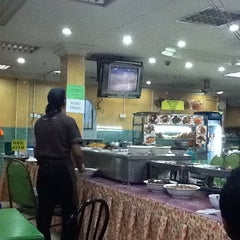 Photo taken at Restoran Tu Dia ... Pak Tam by zamri m. on 11/21/2011