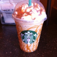 Photo taken at Starbucks by Y. Alexis. A on 7/30/2011