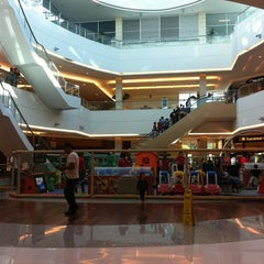 Photo taken at Shopping Granja Vianna by Flavio G. on 5/22/2011