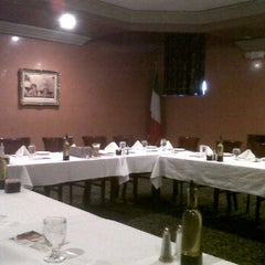 Photo taken at Antonino's Italian Restaurant by ARTHUR ALDERETE Real Estate on 1/4/2012