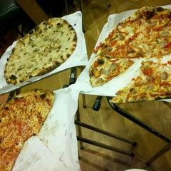 Photo taken at Frank Pepe Pizzeria Napoletana by Frank K. on 12/29/2011