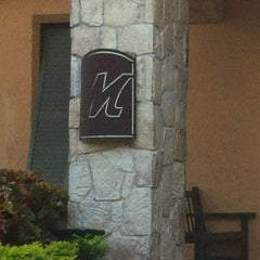 Photo taken at Romano's Macaroni Grill by Pablo I. on 8/22/2012